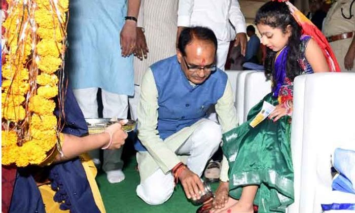 Girl child worship or Kanya Pooja